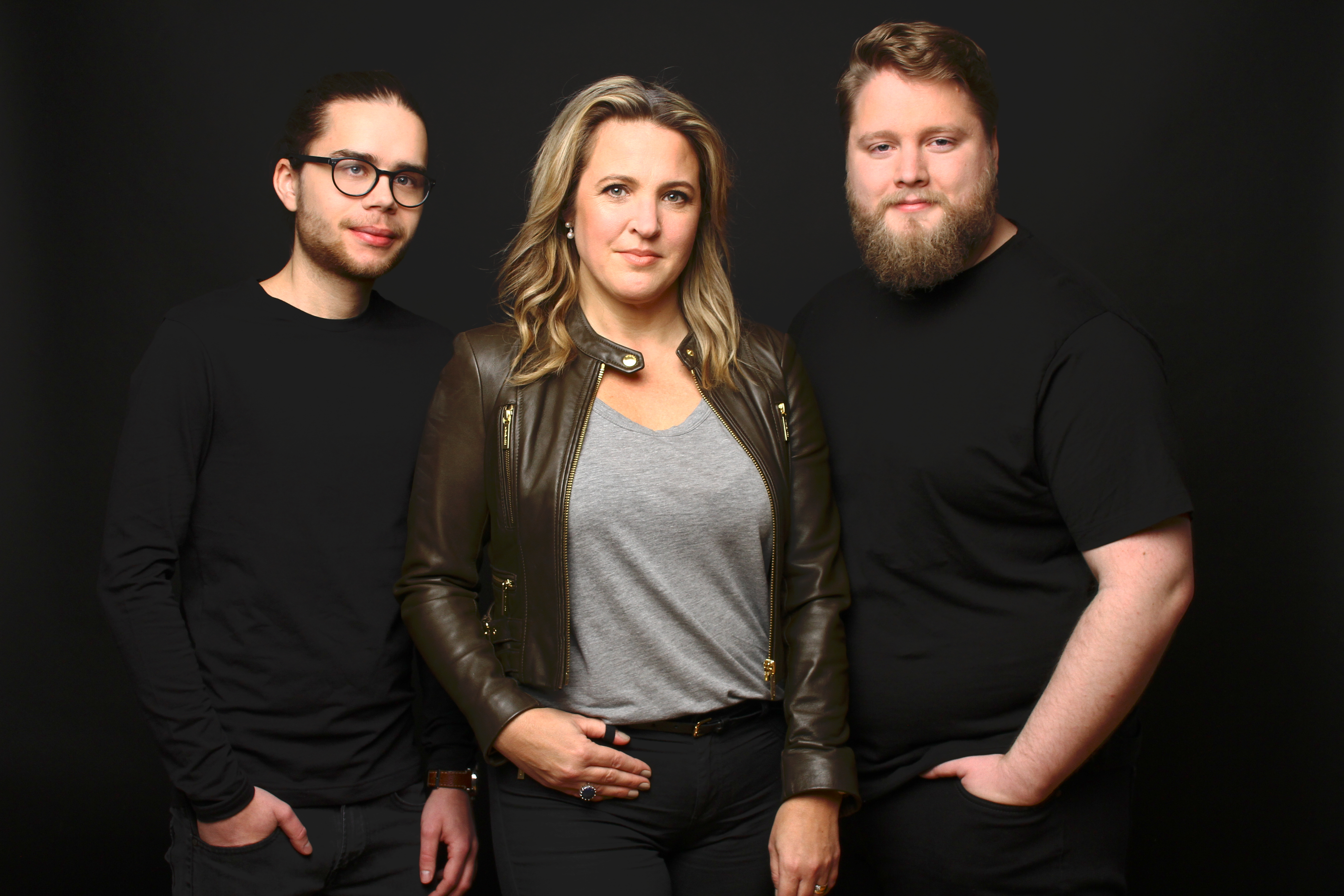 En gruppbild tagen på Andreas Jönsson, Daniel Karlsson och Linda von Beetzen
