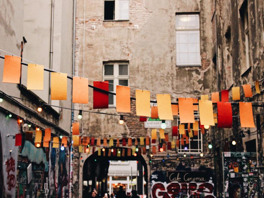 Bild på ett typiskt kvarter i Berlin, Tyskland