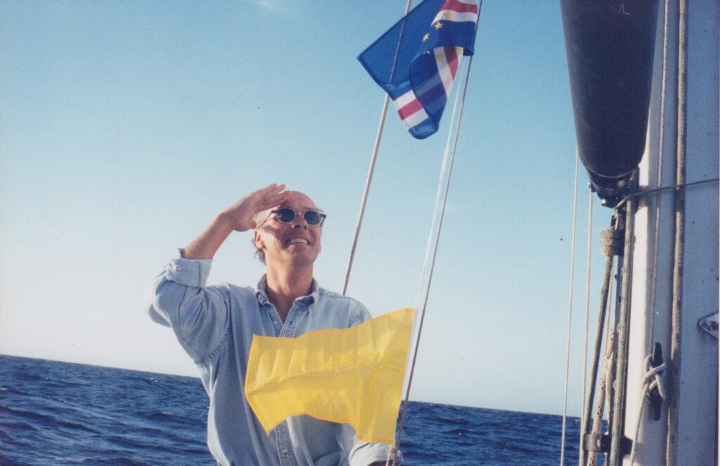 Jan Bergstrand i segelbåt på väg över Atlanten.