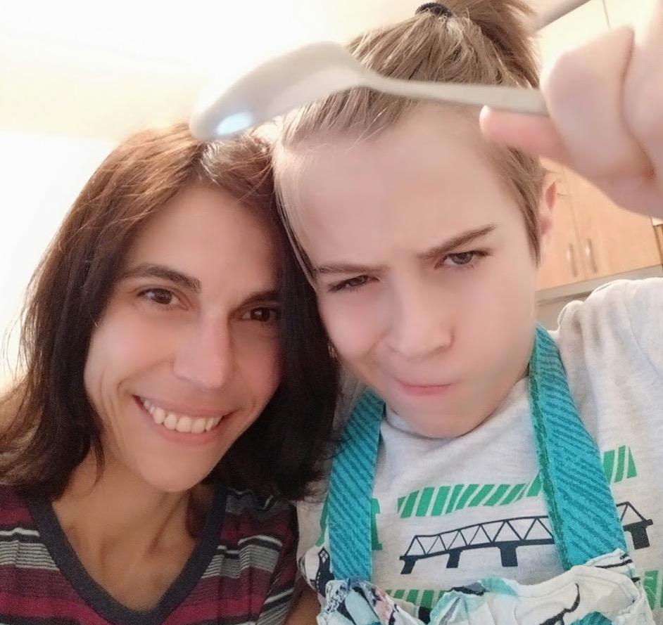 elena och hennes son niki