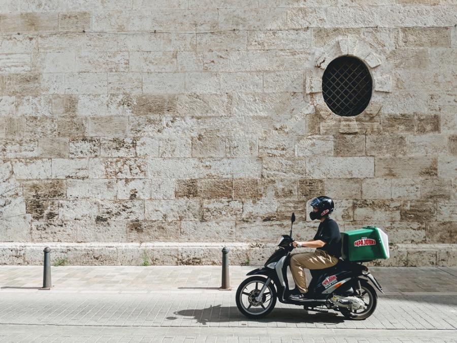 leverans med moped