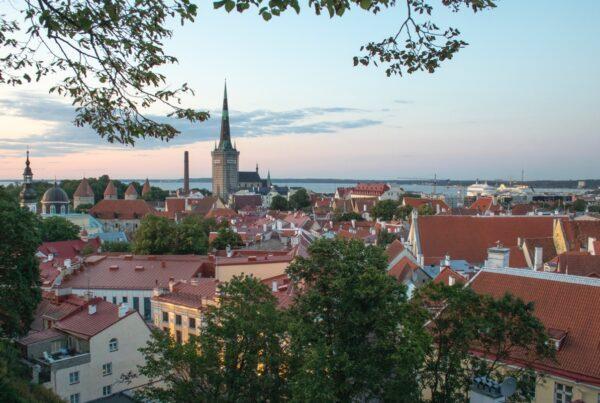 Utsikt över staden Tallinn i Estland