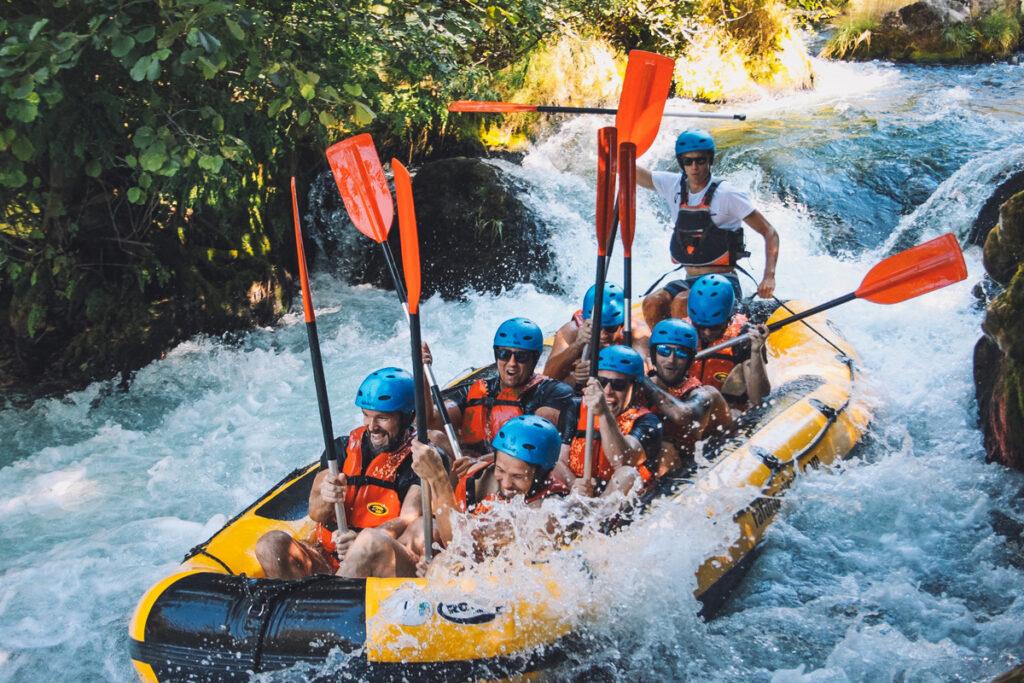 Teamet på Viseo kör Rafting ihop