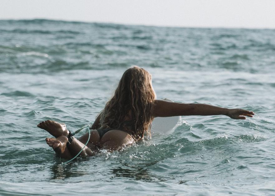 josefine sjöstrand surfing
